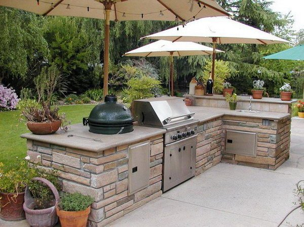 Как своими руками построить летнюю кухню?